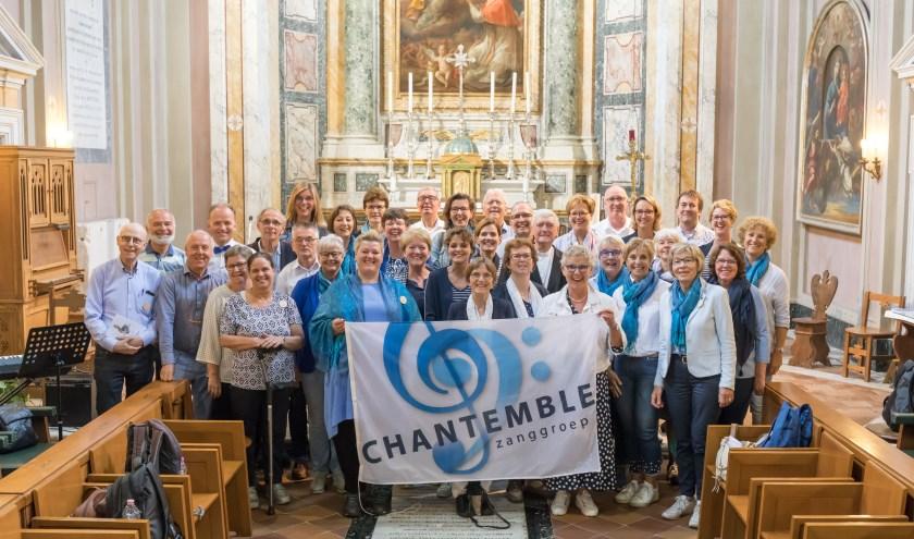Groepsfoto zanggroep Chantemble in Rome.