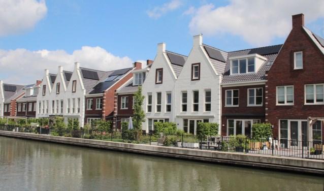 Sfeervolle recente nieuwbouw aan de Hollandse IJssel, maar lang niet genoeg voor de huidige woningbehoefte. (Foto: Lysette Verwegen)
