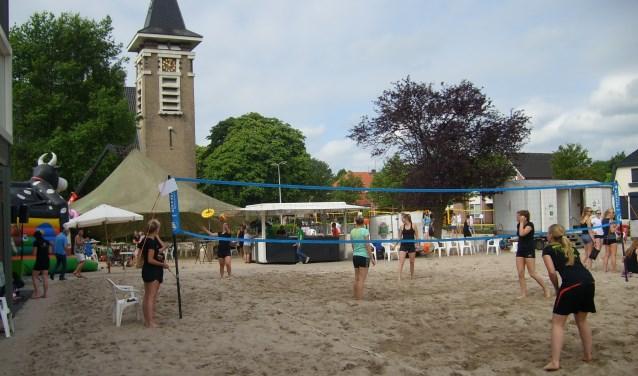 BeachVolleybal wedstrijd te Marienvelde