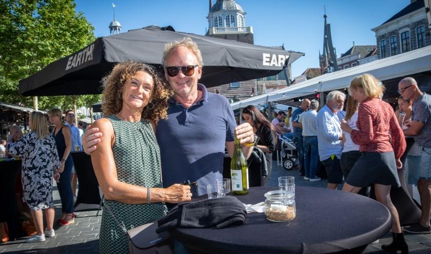 Tijdens de negende editie van Nederlands enige culinaire Fairtrade open luchtfestival is het smullen op de Grote Markt in Goes. Foto: Marcelle Davidse.