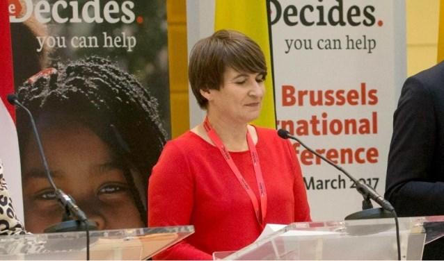 Lilianne Ploumen tijdens de conferentie over 'She decides', de actie waarvoor op haar initiatief 181 miljoen bij elkaar werd gebracht.