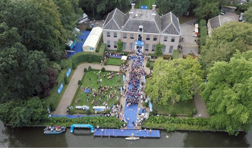 Het zwemevenement zal plaatsvinden vanaf Boom en Bosch in Breukelen. (Foto: Swim to Fight Cancer)