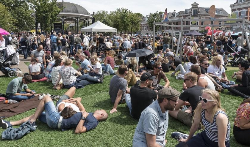 Eén van de gezelligste festivals van Rotterdam vindt komend weekend weer plaats op het Pijnackerplein: het Rotterdam Bluegrass Festival. (Foto: Johannes Odé)