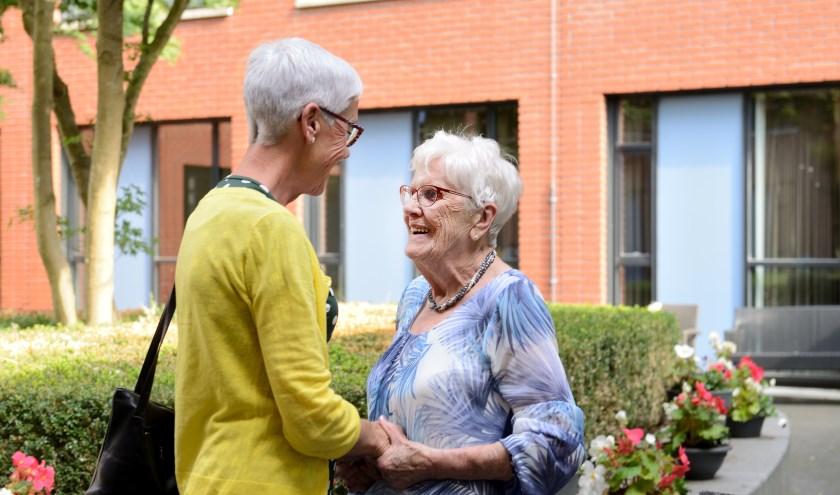 Het Jeroen Bosch Ziekenhuis en Mantelzorg Farent willen de vaak overbelaste mantelzorgers graag helpen. Zij kunnen terecht bij het Mantelzorgpunt op de boulevard van het ziekenhuis.