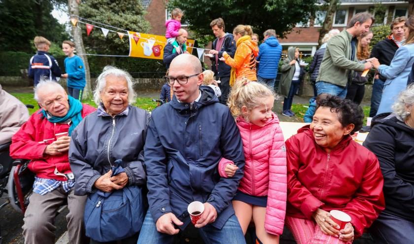 Burendag brengt mensen samen en zorgt voor meer sociale samenhang. Dit jaar is Burendag op 28 september. Foto: Photo Republic/Bibi Neuray