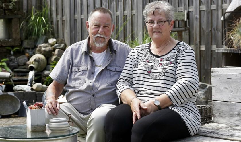 Al vijftig jaar zijn Bennie en Annelies gelukkig getrouwd. Foto: Jurgen van Hoof.