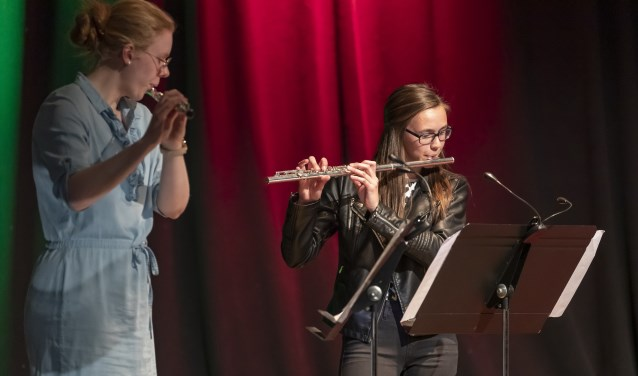 Simone van Mill en Lize van de Perk zullen samen optreden tijdens de Kunstmarkt op 15 juni 2019 (foto CultuurLocaal). (Foto: Jos Wesdijk)