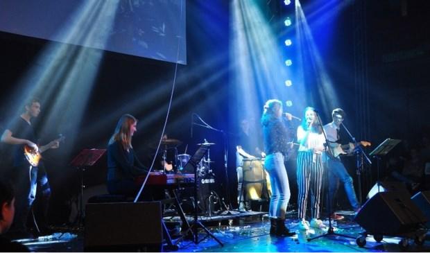 Optreden Mencia Soul Factory op het Mencia de Mendoza Lyceum