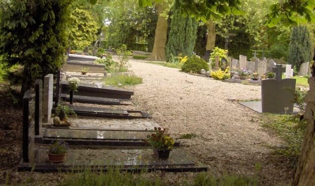 De nieuwe gemeente West Betuwe heeft maar liefst 31 begraafplaatsen in beheer en onderhoud. De gemeente wil één uniforme aanpak.