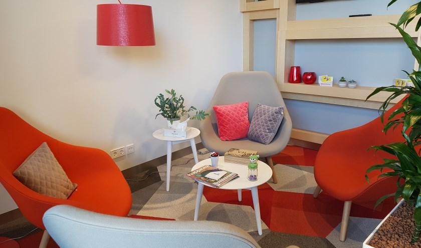 In PATIO kunnen bezoekers in een huiskamersfeer ontspannen en ontmoeten.