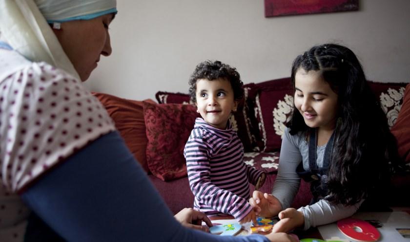 Ouders én jongeren varen er wel bij als ze hun dilemma's en ervaringen met anderen kunnen delen. FOTO: PR