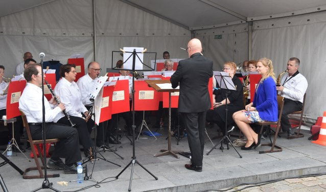 Harmonie De Eendracht Heusden presenteert zondag voor de 5e keer het jaarlijkse Vismarktconcert.
