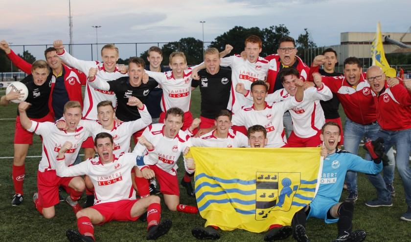 Feest bij Volharding A1 na de promotie naar de vierde divisie.