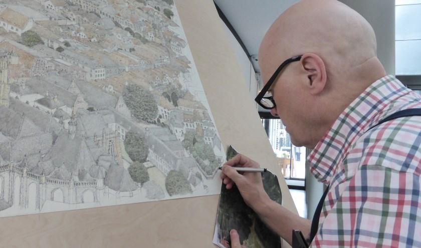 Bouwmans werk typeert zich door het detail, elk steentje wordt afzonderlijk getekend. (Foto: Corry Florijn)