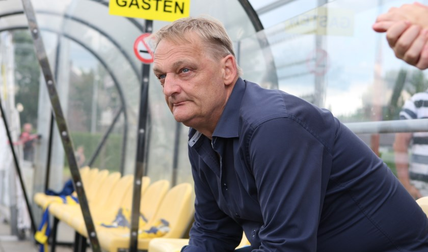 """Peer van Kemenade: """"Ach, ik moet het gaan ondervinden wat het is om geen hoofdtrainer meer te zijn."""" Foto: Bas van Berge Henegouwen"""