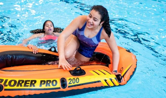 Bij de Nationale Zwemchallenge op 16 juni worden de deelnemers tegen meetlat van de eisen van diploma C gehouden. Foto Gerben Pul.