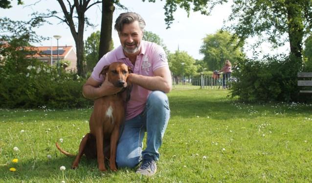 """De hond van Reem Bakker gaat altijd mee naar de praktijk en tussen de middag wandelen ze samen. """"Even het hoofd leegmaken."""""""
