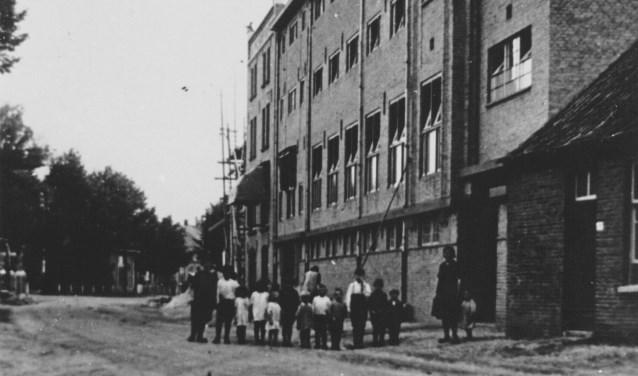 De in 1919 gebouwde fabriek van H. Kersten en Co aan de toenmalige Schoolstraat, de huidige Hoogstraat (Coll. Gemeente Valkenswaard).