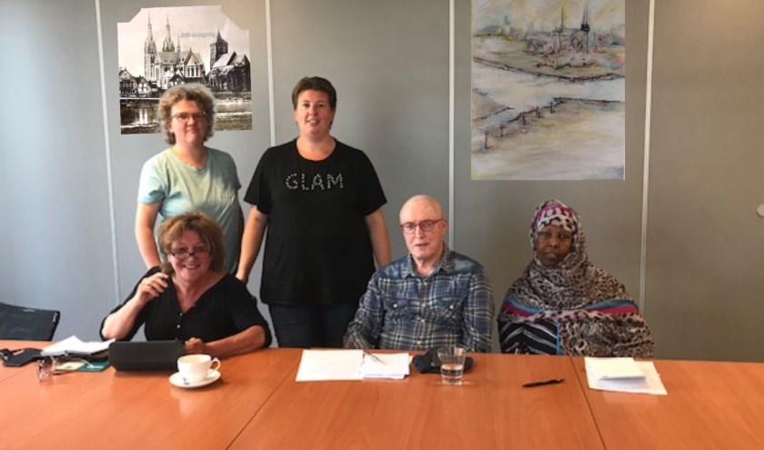 Met behulp van Ed Kooger, coördinator van Mooiland, wordt Stichting Huurders Belangen Cuijk nieuw leven ingeblazen.