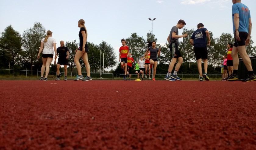 De eerste training van de tiener loopgroep van Iphitos. Foto: Mark Vlutters
