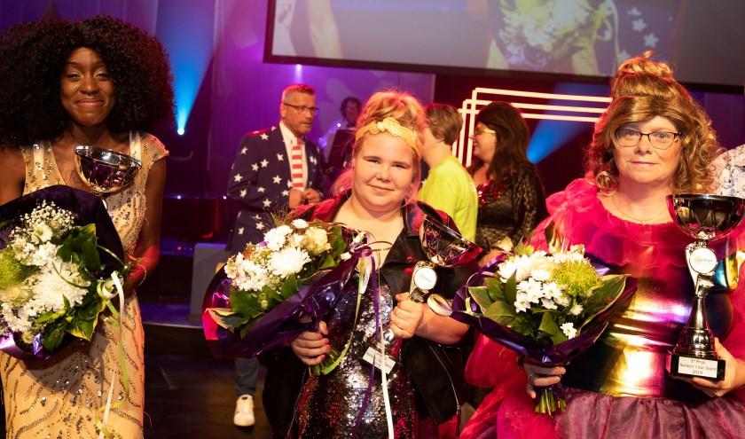De eerste plaats bij het playbacken was voor Marion Oudshoorn (rechts).