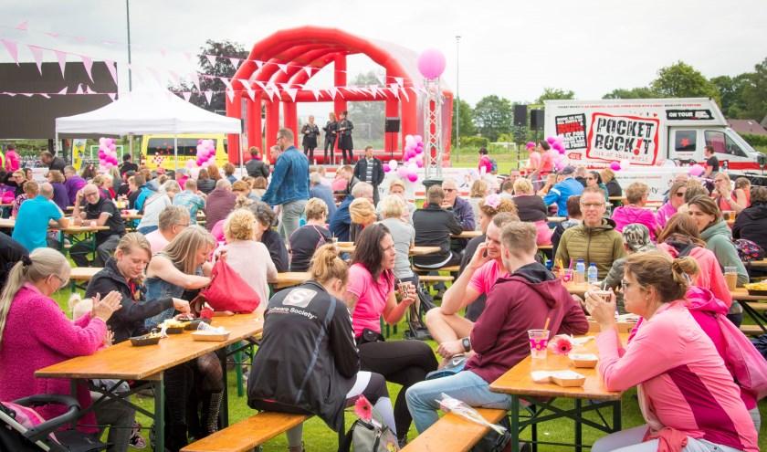 Het Drunens Wandelfestival is een sportief en sfeervol evenement voor het goede doel. Help jij mee kanker de wereld uit te wandelen?