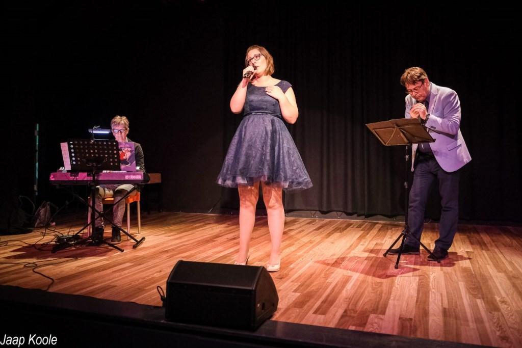 Winnaars van de derde prijs: Liesbeth Lieverse, Irene Kruijt en Tjakko Kruit. (Foto: Theater 't Web/Jaap Koole).  © Persgroep
