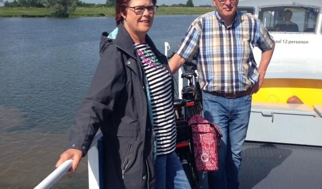 Het echtpaar uit Velzen maakte op 1e Pinksterdag gebruik van de RheLie. (Foto: Joke Klein)