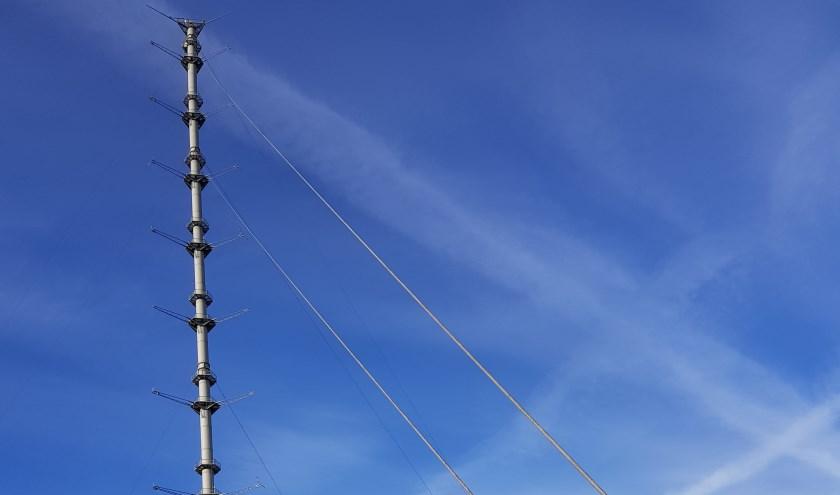 De twaalf kabels van de Cabauwse snuffelpaal, die twee ton per stuk wegen, zijn aan het einde van hun levensduur. (Foto: PR)