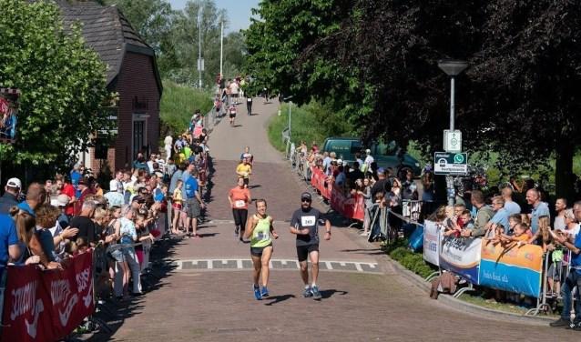 De Ooyse Landloop staat goed bekend. De deelnemers komen uit de gehele regio. De start en finish zijn in Oud-Zevenaar (foto Tanja Schiricke)