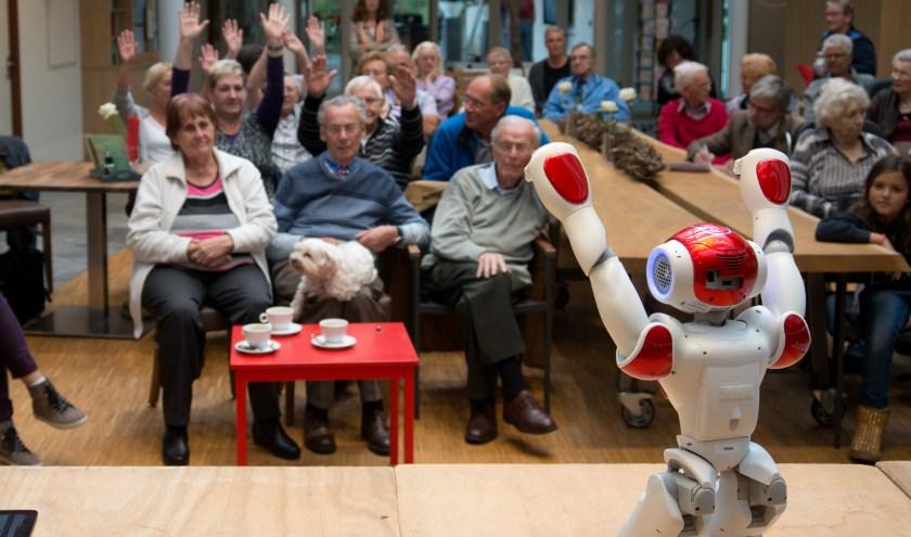 Zora robot wordt onder meer ingezet voor de activering van ouderen in woonzorgcentra