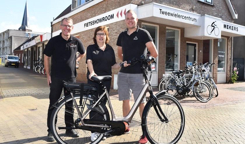 Ondernemer van de week: Hans en Brigitte Mekers en Joep Mulder. (foto: Roel Kleinpenning)