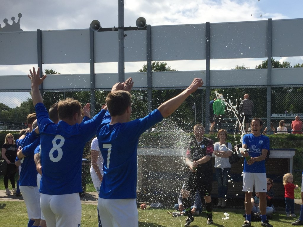 SDC Putten 12 is kampioen Foto: Sarah Posthouwer © Persgroep