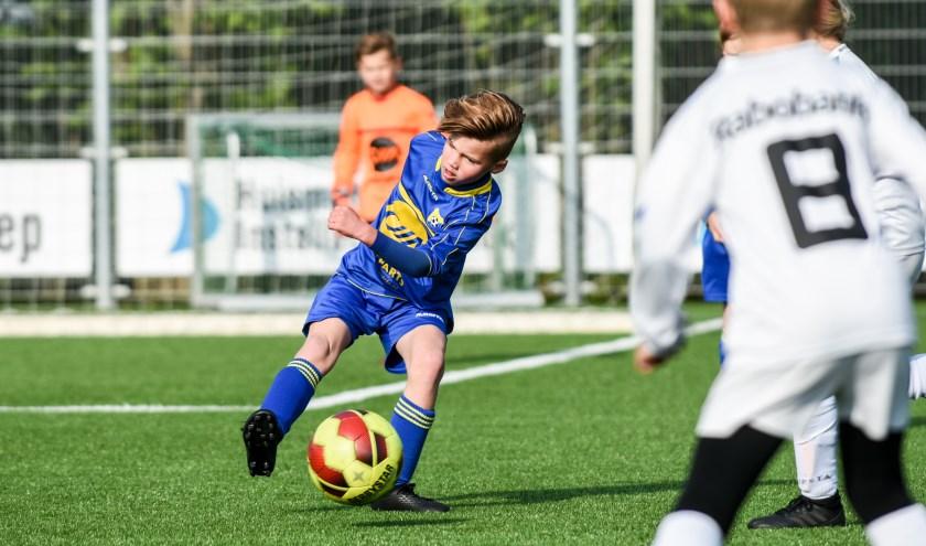 De JO9 van VRoomshoopse Boys won de TWenterandcup. Foto: Erwin Heuver