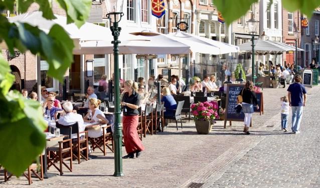Mede dankzij alle aandacht voor de Zuiderwaterlinie is de vesting Heusden nu nog meer in trek bij toeristen. Foto: RBT/Frank van Delft