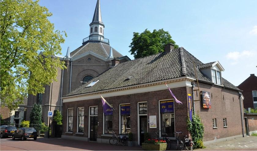 Historische verhalen over huizen, kerken, straten en beelden in Haaksbergen komen aan de orde tijdens de wandeling.