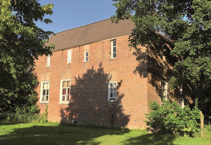 Huis Rijswijk anno 2019. Aangenomen wordt dat Huis Rijswijk of de voorloper daarvan, gesticht moet zijn na de 9e of 10e eeuw.