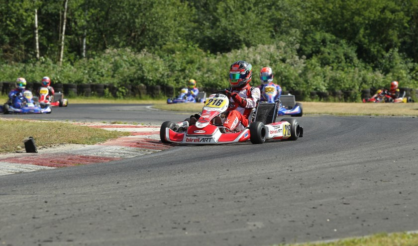 Karttopper Robin Glerum uit Wemeldinge in actie tijdens de wedstrijd in Kerpen.
