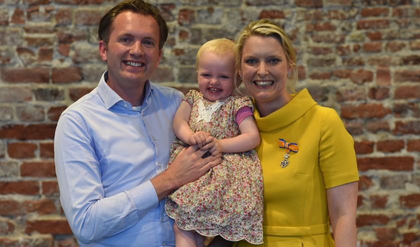 Met echtgenoot Ivo en dochter Marilène nam Marianne van der Sloot afscheid van de Bossche gemeenteraad.