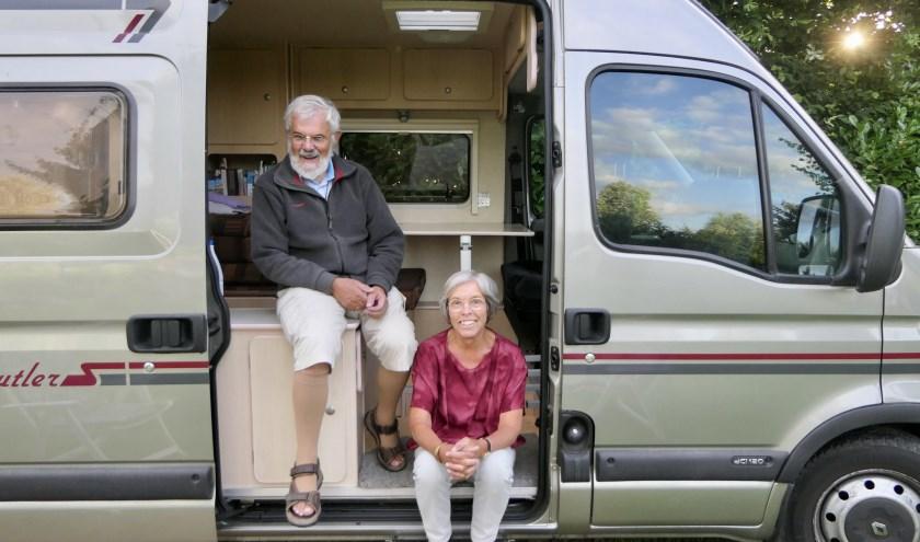 Jan en Hetty Plasman uit Heusden staan met hun camper op mini-camping De Reekens in Oudheusden om bij te komen na een lange vakantie in Spanje.