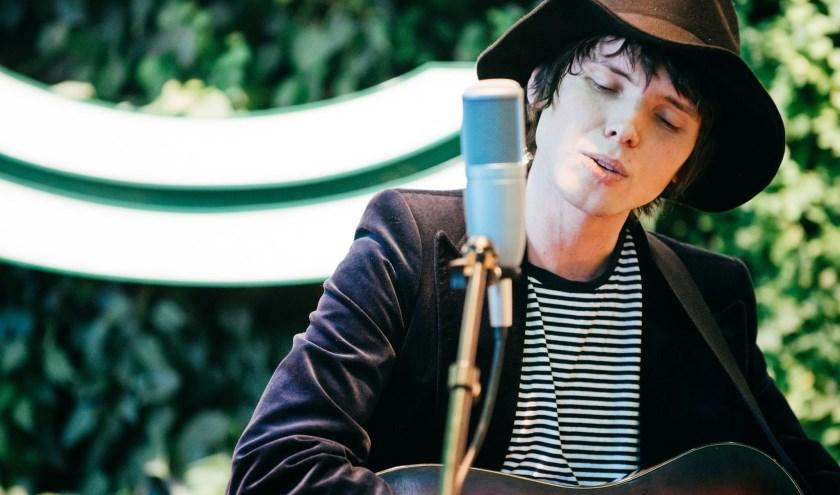 Singer-songwriter Ray Romijn komt optreden in Eindhoven. Meer informatie: www.popei.nl