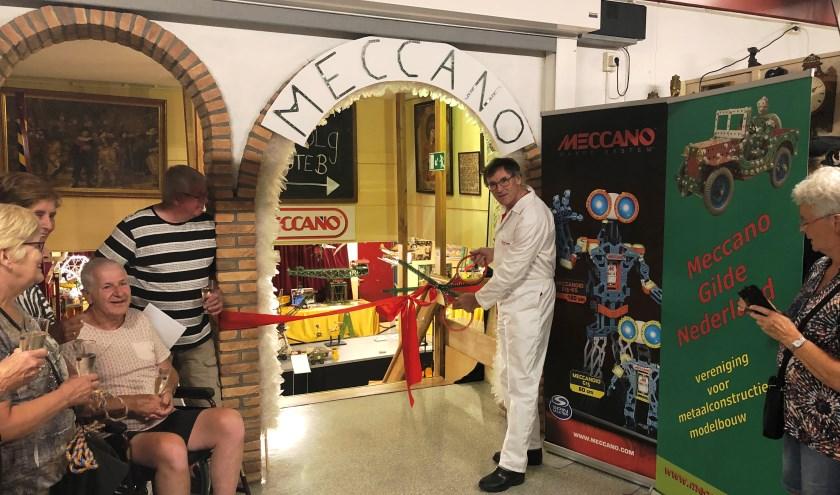 Karst Quast van het Meccano Gilde Nederland opende de expositie.