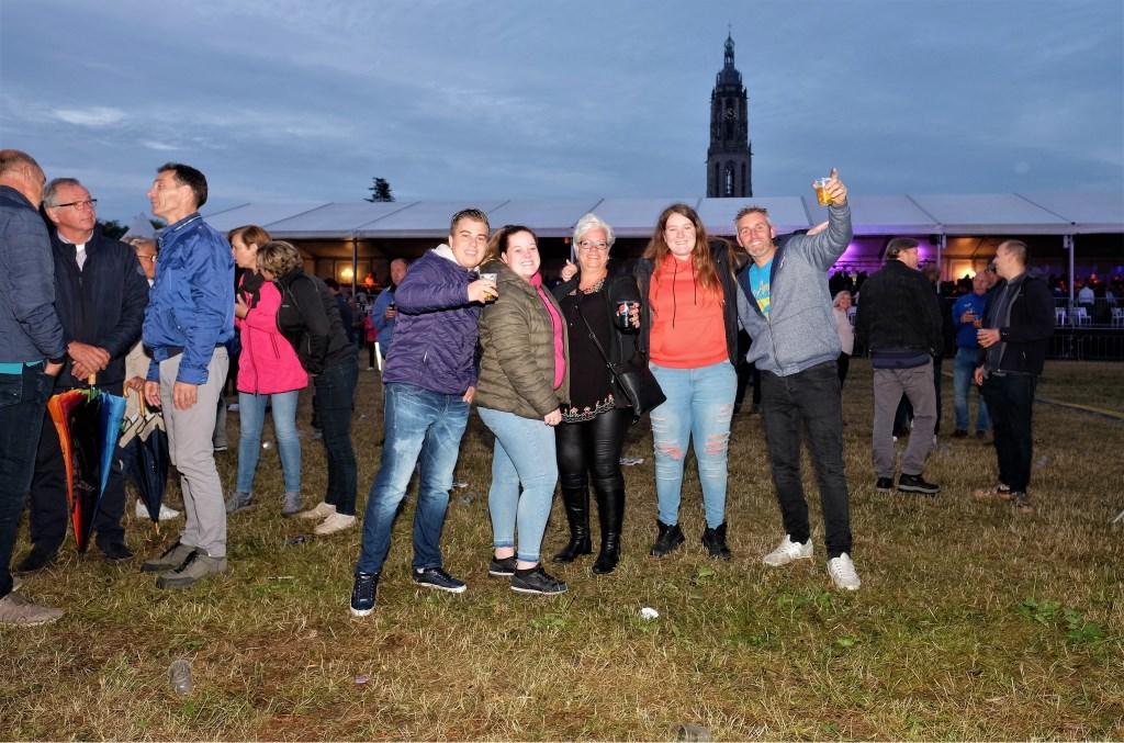 Hallo rhenen Veenendaal hier.  © Persgroep