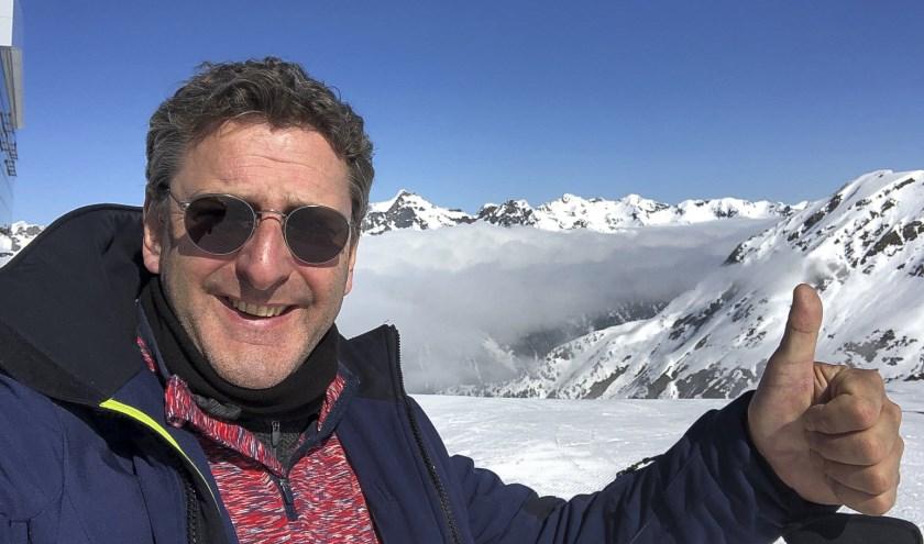 Skiën is een van de hobby's van Henk.