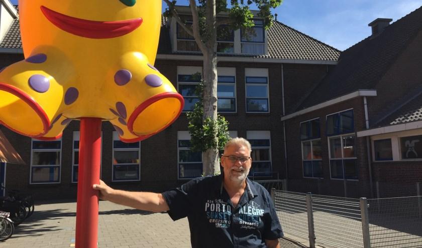 """Na precies 42 onderwijsjaren gaat Richard Heeres met vervroegd pensioen. """"De mensen, de buurt en Rotterdam ga ik zeker missen."""""""