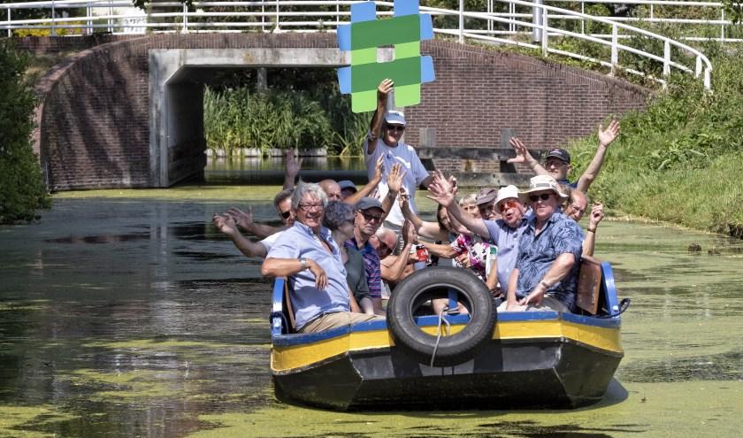 """Stichting Rondvaarten en Promotie Boskoop werkt uitsluitend met vrijwilligers: van de informatrices en de  bestuursleden tot en met iedereen die bij de rondvaarten betrokken is."""""""