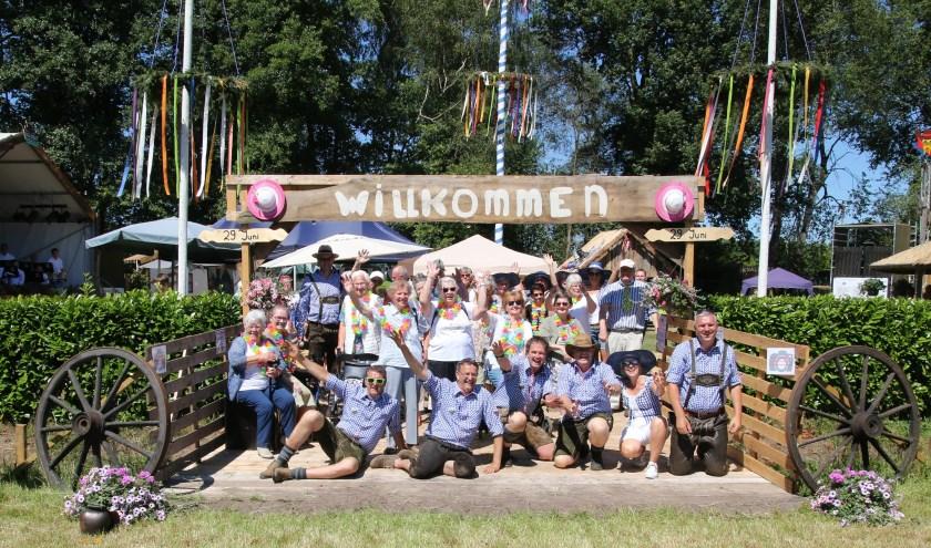 De deelnemers werden hartelijk ontvangen door het Hill Billy team.