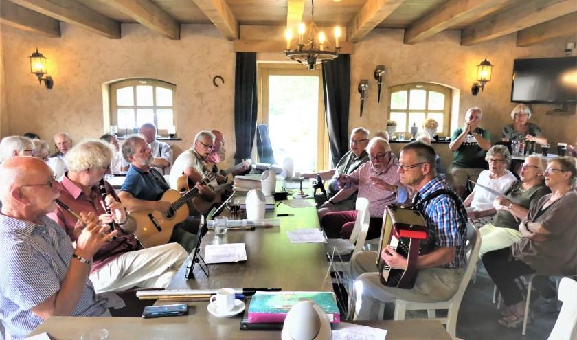 Bij Bed and Breakfast In den Boogert in Boxtel wordt maandelijks een Ierse Sessie gehouden. In deze krant wordt de activiteit elke maand aangekondigd. Foto: Ad van de Wetering.