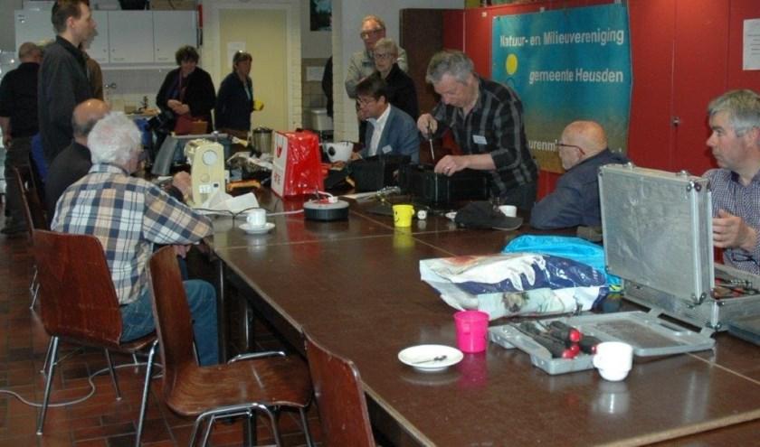 Het Repair Café wordt op verschillende plaatsen in de gemeente Heusden gehouden. Aanstaande dinsdag in D'n Elshof in Elshout.