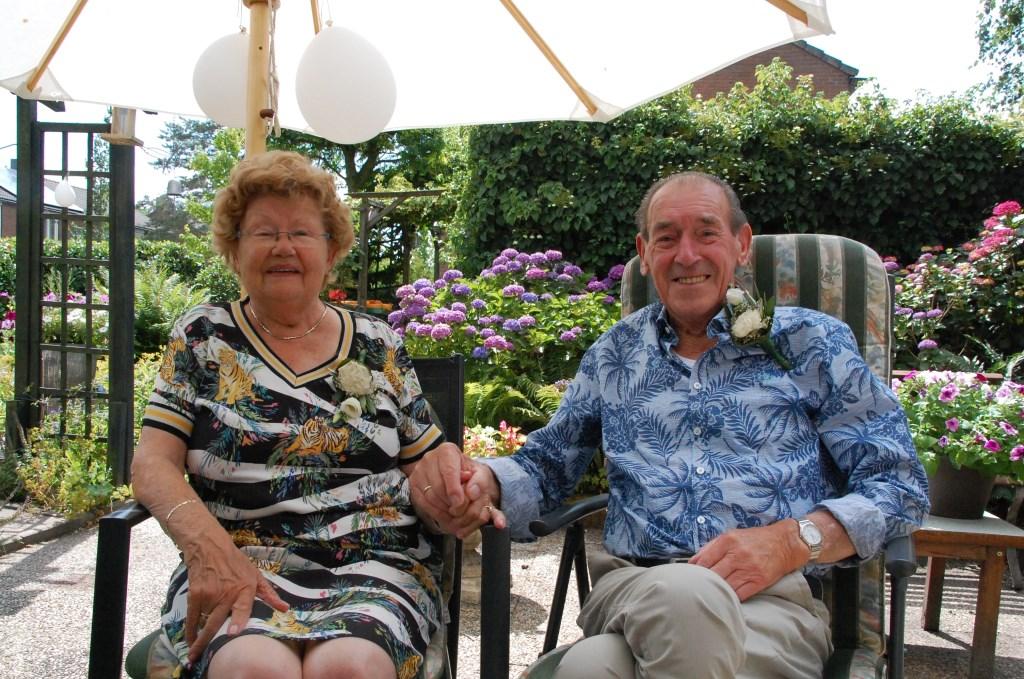Gert Klok en Hennie Klok-Nellestein vierden 30 juni hun 65-jarig huwelijk.  © Persgroep